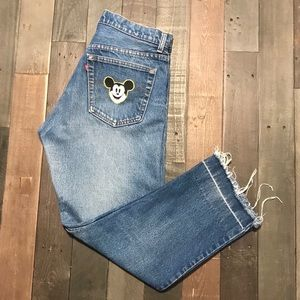 Men's Blue Levi's with distress 32 width